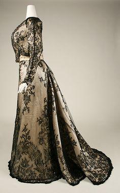 1898 Evening Dress, Origin - American; Lace over silk satin; Metropolitan Museum of Art