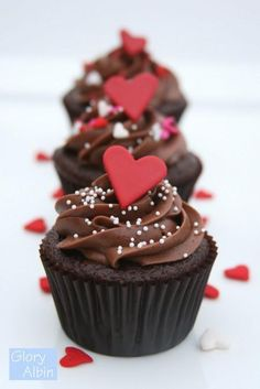 Dessert Recipes: Cupcake Recipes: Perfectly Chocolate Cupcakes
