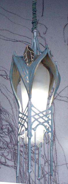 http://www.alleycatscratch.com/lotr/Elf/eThings/Lamp0053_YukNM.jpg