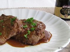 Ossenhaas met balsamico-azijn - Filetto di manzo all'aceto balsamico, een recept van Ziti Zitoni Bolognese, Polenta, Gnocchi, Steak, Food, Eten, Steaks, Meals, Beef