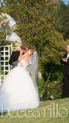 First kiss as Mr & Mrs Axen