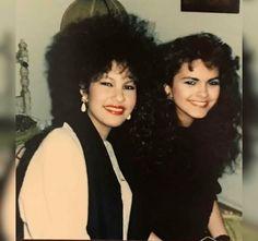 Selena Quintanilla Perez, Selena Gomez, Selena Selena, Music Icon, Her Music, 80s Big Hair, Selena Mexican, Selena Pictures, Queen