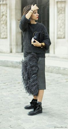 Natasha Goldberg, feather midi skirt, grey oversize sweater, red lips, ankle boots, clutch / Garance Doré