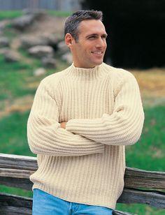 Raglansweater. Tidløs sweater, designet til mænd, men lige så god til kvinder. Mønstret hedder moss stitch. Her strikket i 100 % uld på pinde 4½.