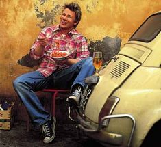 Jamie Oliver and Fiat 500 Chef Jamie Oliver, Tv Chefs, Natural Man, Recipe Search, Hot Guys, Celebrities, People, How To Make, Celebrity Chef