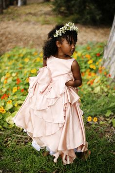 Flower Girl Fashion from Kirstie Kelly Belathee Photography Flower Girl Hairstyles Belathee Fashion flower girl Kelly Kirstie Photography Flower Girls, Flower Girl Tutu, Flower Girl Dresses, Girls Dresses, Pageant Dresses, Party Dresses, Baby Flower, Pink Dresses, Wedding Dresses