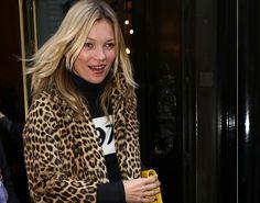 Оденься, как звезда: шубка с леопардовым принтом от топ-модели Кейт Мосс #КейтМосс #мода #звезднаямода #звездныйобраз #звездныйстиль #стиль
