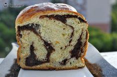 Cozonaci super pufosi — Alina's Cuisine Sweet Bread, Banana Bread, Food And Drink, Sweets, Desserts, Facebook, Corner, Home, Recipes