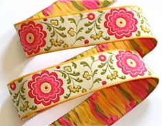 Beautiful woven jacquard ribbon . Perfect for so many crafts!  1 wide.  Listed at 3 yards. Please let me know if you need additional yardage and I will create a custom listing for you.  We are happy to ship internationally! Please see our shipping costs below.  Please note this ribbon was custom made for Les Bon Ribbon
