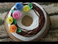 Wafer Paper Flower Wreath Cake with Video! Paper Flower Wreaths, Wafer Paper Flowers, Recycled Crafts Kids, Crafts For Kids, Paper Craft Supplies, Paper Crafts, Edible Crafts, Family Crafts, Birthday Cookies