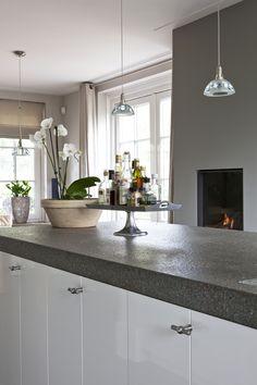 Moderne keuken in Piet Boon stijl! Nieuwsgierig? Kom langs in onze nieuwe showroom in Drachten! Kijk voor meer inspiratie op www.keukenstyle.nl