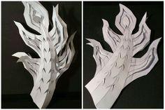 2014亞洲劇團-齊格飛 龍戲偶的尾巴看起來是立體的,其實是兩張紙片摺出來的(我的創作)