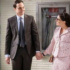 The Big Bang Theory is centered on five characters living in Pasadena, California: roommates Leonard Hofstadter and Sheldon Cooper; Leonard Hofstadter, Episode Online, Full Episodes, Big Bang Theory, Bigbang, Confidence, Suit Jacket, Seasons, Movies