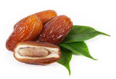 Getrocknete Datteln sind sehr gesund. Ihre Inhaltsstoffe sind gut für die Verdauung, die Herzmuskulatur und helfen beim Einschlafen.