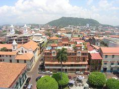 La Ciudad de Panamá creció físicamente alargándose en extensión, debido a la estrechez causada por la antigua Zona del Canal y la bahía de Panamá, lo que ha generado una infraestructura vial extensa hacia el noreste.