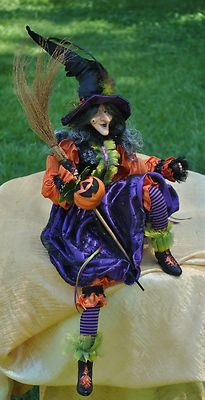 Glamour Witch Doll Alice Halloween, Halloween Doll, Halloween Crafts, Witch Dolls, Halloween Yard Decorations, Witch Art, Doll Costume, Creepy Dolls, Assemblage Art