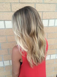 Low maintenance blonde hair with balayage'd highlights | Instagram…