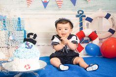 Curitiba, Kelli Homeniuk, Ensaio de bebê, 11 meses, 1 aninho, pré aniversário, bolo big Cupcake, Smash The Cake, Cake Smash, bolo, interno, estudio, joshua, vermelho e azul, (41)9729-6585 ©Kelli Homeniuk - Fotografia Profissional