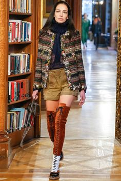 Chanel - Pre-Fall 2015 - Look 61 of 88?url=http://www.style.com/slideshows/fashion-shows/pre-fall-2015/chanel/collection/61