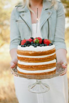 Pretty naked cake: http://www.stylemepretty.com/living/2014/07/04/what-to-wear-for-the-4th-of-july/ | Photography: Ivy & Stone - http://www.ivyandstonephotography.com/