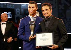 Cristiano Ronaldo e Falcão (Foto: Reuters) Real Madrid, Cristiano Ronaldo Cr7, Instagram Posts, Good Night All, International Soccer, Football Squads, Athlete