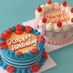 Pretty Birthday Cakes, Pretty Cakes, Beautiful Cakes, Amazing Cakes, Heart Birthday Cake, Fancy Cakes, Mini Cakes, Cute Desserts, Delicious Desserts
