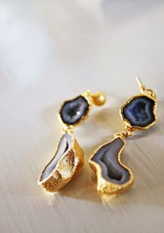 Iolite and Gold Geode Earrings | Jason Rosencrantz Photography | Color Theory - Iolite, Coral, and Gold Glam Modern Wedding Inspiration