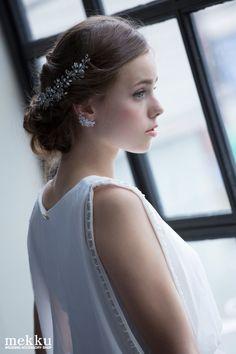 ウェディングアクセサリーショップmekkuのヘッドドレスのモデル画像