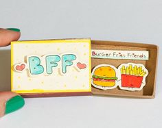 Linda tarjeta de amistad Matchbox / caja de regalo / por 3XUdesign