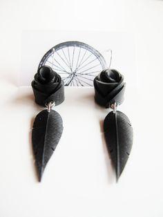 Black Rose Feather Earrings chambre à air recyclé