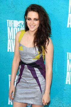 wavy hair. Love. Kristen Stewart.