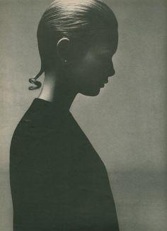 Twiggy 1967 by Richard Avedon