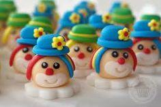 clown cake balls
