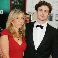 If Aaron Taylor-Johnson was your pick for Christian Grey, then you might be excited to hear that he may still feature in the highly anticipated film Fifty Shades of Grey. The actor's wife Sam Taylo… Age Difference Relationship, Best Relationship, Aaron Taylor Johnson, Young Old, Old Wife, Mr Grey, Successful Relationships, Be With Someone, Young At Heart