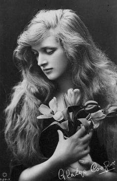 ↢ Bygone Beauties ↣ vintage photograph of Gladys Cooper