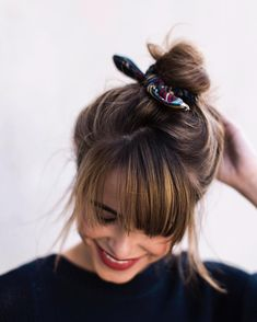 Vince Sweater - The Style Bungalow Dread Hairstyles, Headband Hairstyles, Hairstyles With Bangs, Pretty Hairstyles, Wedding Hairstyles, Haircuts, Lace Front, Bad Hair Day, Hair Ties