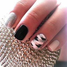instagram @nailsbyic | fishtail braided nails #nailart