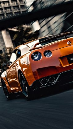 GT-R looking so slick in orange