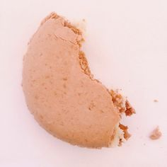 #Macaron au #caramel. Bonheur Daughters Of The King, Macaron, Caramel, Bonheur, Sticky Toffee, Candy, Fudge