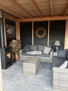 Garden Bar Shed, Garden Lodge, Outside Room, Outside Living, Outside Bars, Backyard Patio Designs, Pergola Patio, Gazebo, Extension Veranda