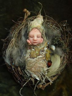 Fairy folklore has been around for centuries. Many people actually believe fairies exist in another realm that is invisible to the naked eye. Woodland Creatures, Magical Creatures, Fairy Nursery, Dragons, Kobold, Elves And Fairies, Baby Fairy, Polymer Clay Dolls, Paperclay