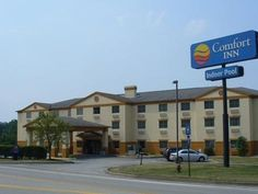 Indiana (PA) Comfort Inn United States, North America Ideally located in the prime touristic area of Indiana, Comfort Inn promises a relaxing and wonderful visit. Both business travelers and tourists can enjoy the hotel's facilities and services. Service-minded staff will welcome and guide you at the Comfort Inn. Some of the well-appointed guestrooms feature television LCD/plasma screen, air conditioning, alarm clock, telephone, internet access – LAN (complimentary). The hotel...