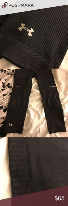 Under Armour fit leggings!! Rare NEW Fitted! Compared to Nike power slim fit wear!! Very comfy!!! Material is above great!! 85% Nylon!! Thick!! New! Under Armour Pants Leggings