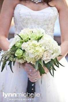 pretty bouquet for bride