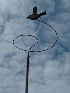 Kinetic bird sculpture in in Dungeness garden neighbouring Derek Jarman's garden by Bus Stop, via Flickr