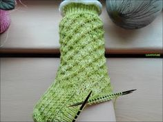 Summer socks by Birgit Ka Summer socks double pointed needles 60 60 total stitches . Summer socks by Birgit Ka Summer socks double pointed needles 60 60 total stitches Wool dyed by me Knitting Socks, Free Knitting, Knitting Patterns, Knit Socks, Summer Knitting Projects, Knitting For Beginners, Knitted Bags, Knitted Blankets, Chunky Yarn