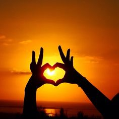 #Summer #Sunset #SummerSunset #Sun #Sky #HeartHand #TaylorSwift #OrangeSky