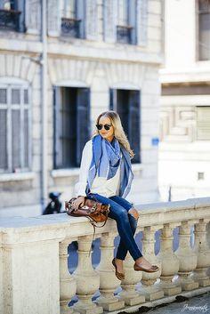 Light blue Balmuir scarf, white and cognac, so fresh!