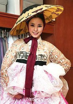 < Miss Universe 2007 > Lee Ha-nui with Korean Fusion Hanbok - Placed . Korean Hanbok, Korean Dress, Korean Outfits, Korean Clothes, Korean Traditional Dress, Traditional Dresses, Miss Korea, Textiles, Culture
