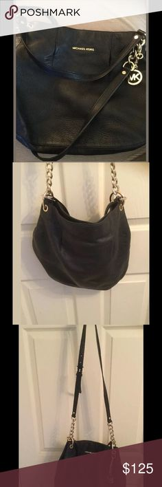 """MICHAEL KORS BEDFORD BLACK  Leather LARGE purse 100 % authentic leather michael kors purse black Preowned Smoke pet free home Gold hardware light scratched light discolor from normal wear but over its perfect the leather perfect inside clean perfect Width 14"""" Top to bottom height 12"""" Michael Kors Bags Crossbody Bags"""
